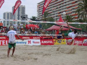 Espectacular ataque Pablo Carcelen (España) y Marcelinho (Brasil)